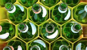 gröna flaskor